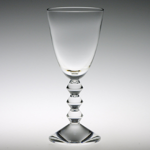 おしゃれな名入れバカラワイングラス