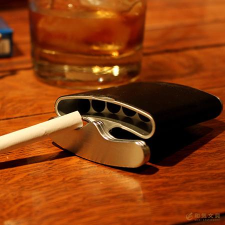 ウィスキースキットル型のハニカムレザー携帯灰皿 名入れ可